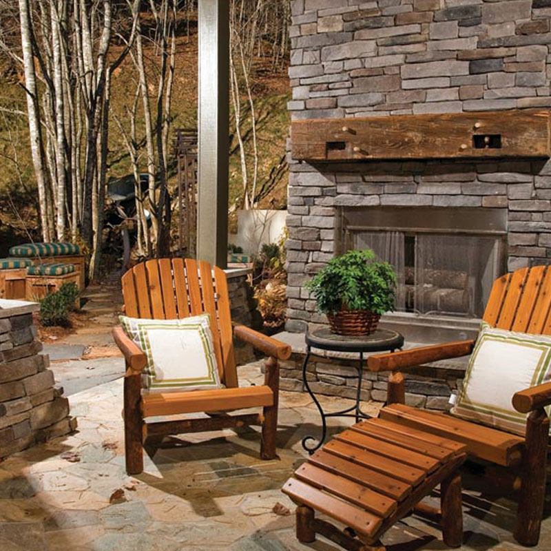Stonecraft pennsylvania stone used on outdoor fireplace