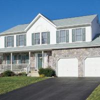 Stonecraft fieldstone pennsylvania facade on home and garage