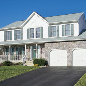 Stonecraft fieldstone pennsylvania facade on home and garage