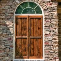 Stonecraft ledgestone chardonnay facade around front doors