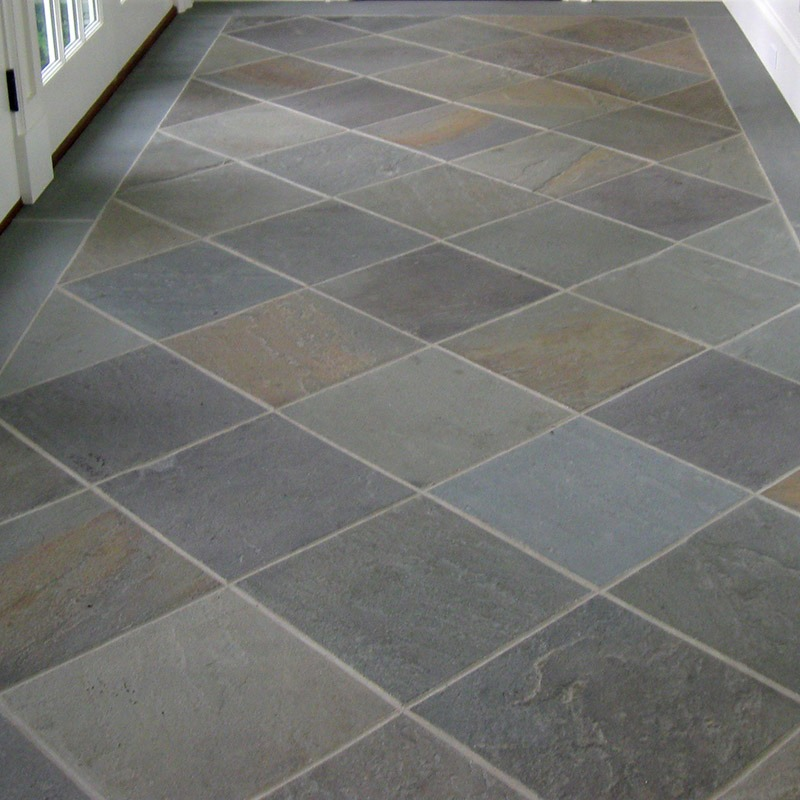 Indoor floor built with bluestone, natural cleft, mixed color, pattern