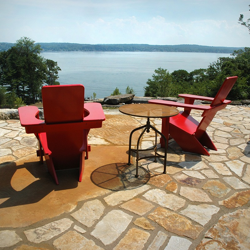 Outdoor patio built with Champlain south bay flagging