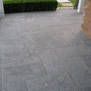 Hampton limestone walkway/patio