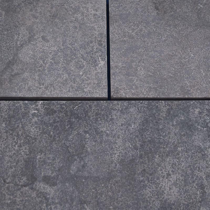 close up profile of Hampton Limestone pattern