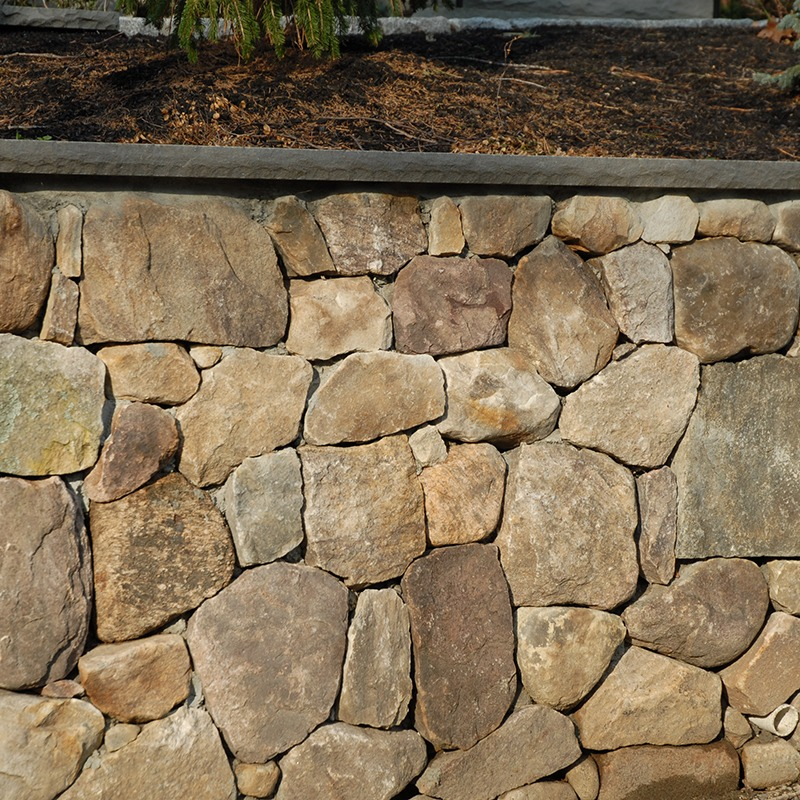 PSW white mountain wallstone with bluestone capping