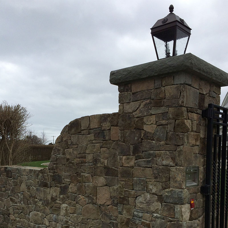Wall and light post with custom bluestone cap