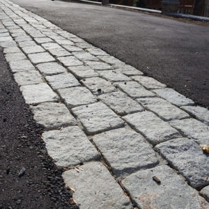 Jumbo cobblestone at the end of a driveway